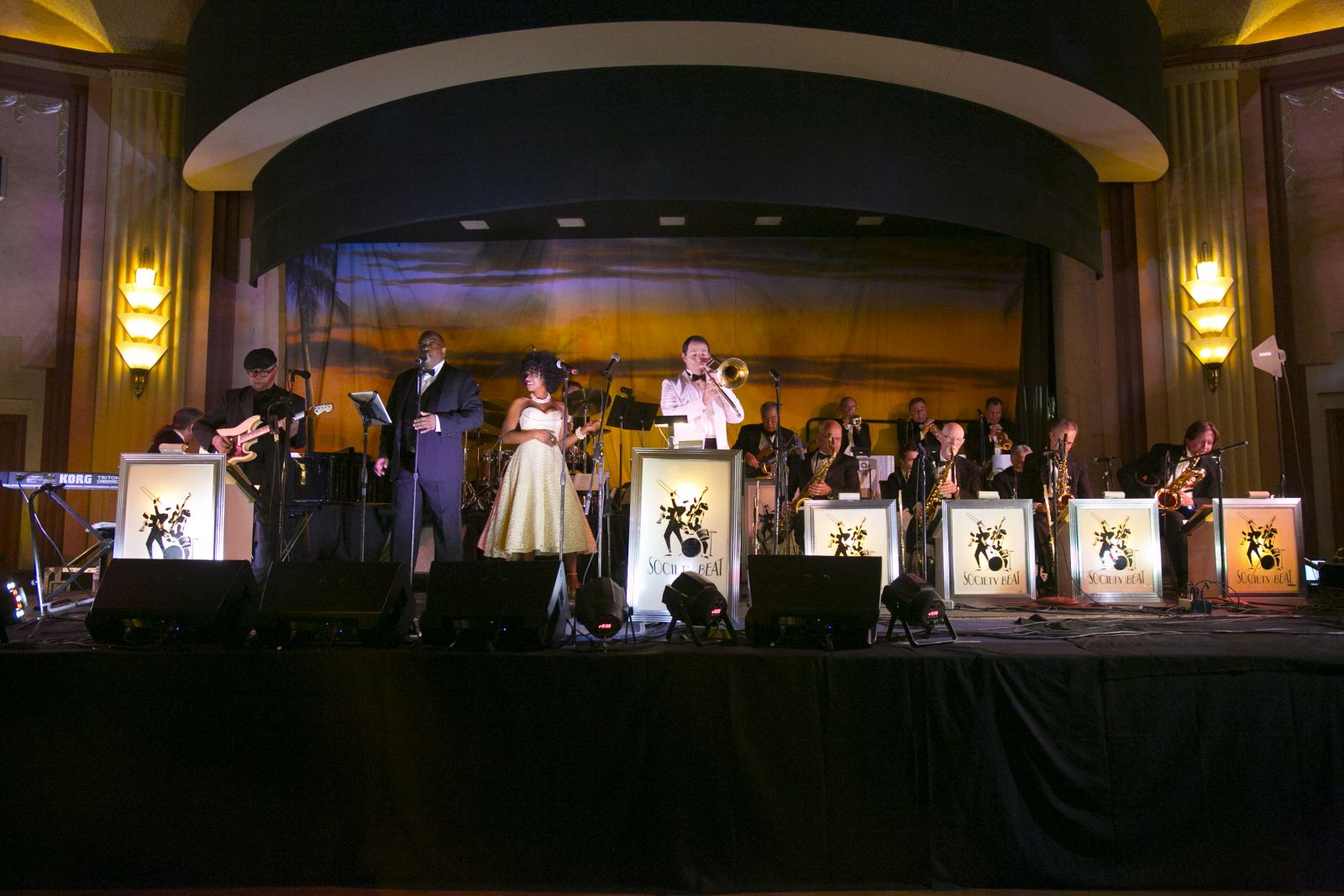 Society Beat Performs at the 2014 Conservancy Ball